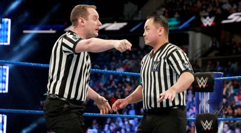 Los Referees de la WWE en la mira luego del error ocurrido en WrestleMania  | Lucha Noticias