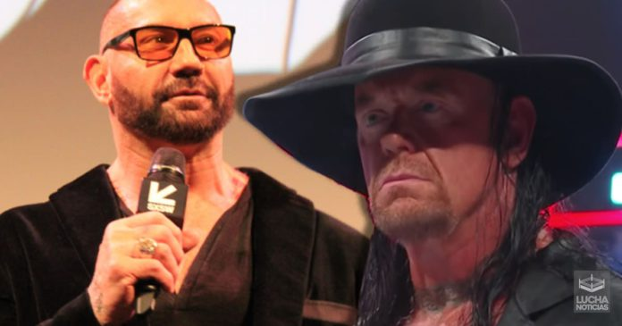 Batista intenta convencer a Undertaker