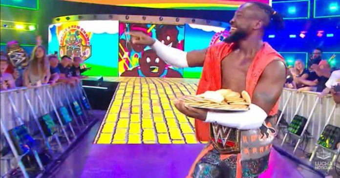 Kofi Kingston retiene el campeonato de WWE