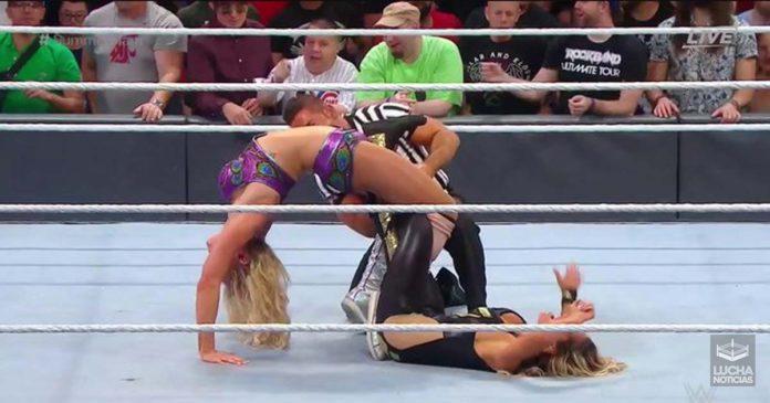 Charlotte Flair vence a Trish Stratus en SummerSlam