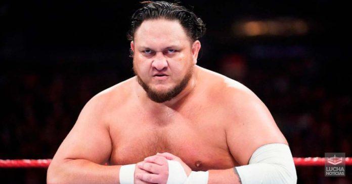 Samoa Joe lesionado del pulgar