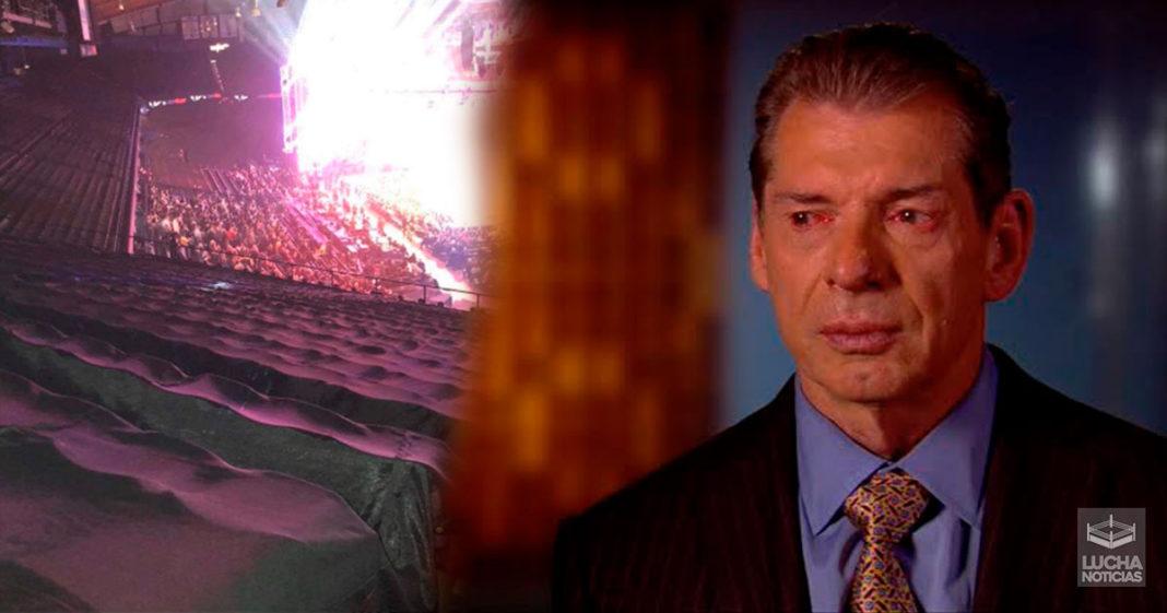 WWE Noticias muchos asientos vacios en RAW