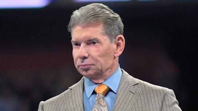 Vinve McMahon se da por vencido con EC3