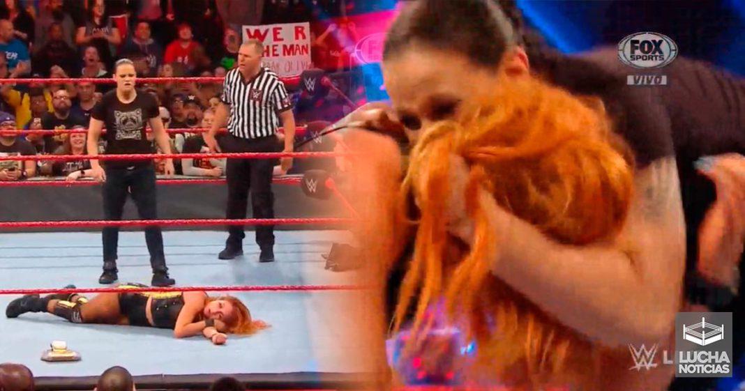 Shayna Baszler ataca a Becky Lynch en RAW