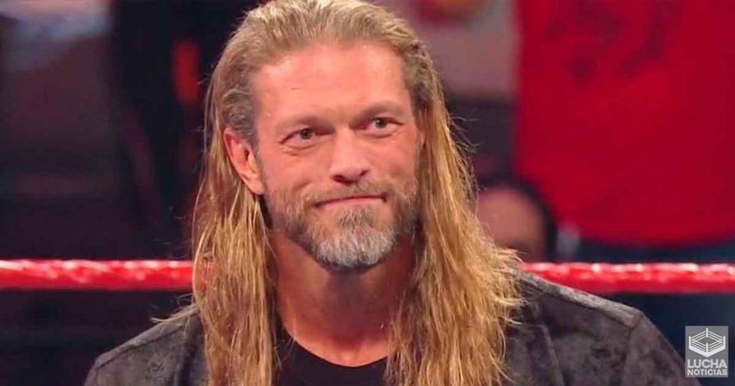 Edge dice que se ve mejro como mujer