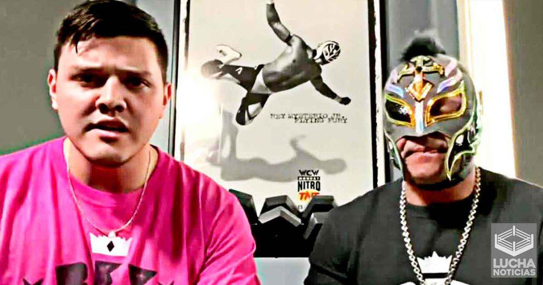 Rey Mysterio y su hijo Dominik regresan esta noche en RAW