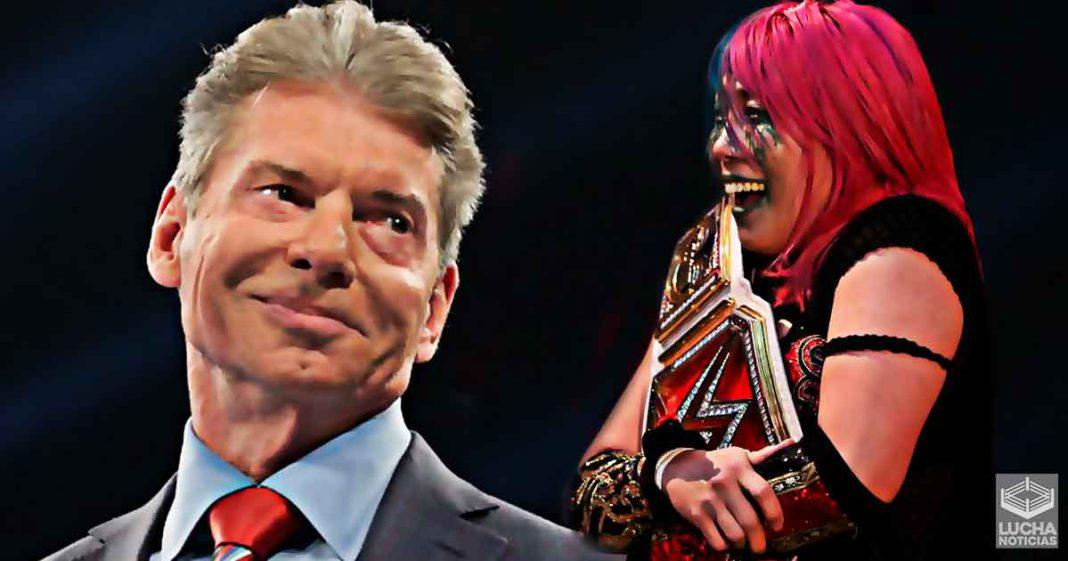 Vince McMahon impresionado con Asuka como campeona de RAW