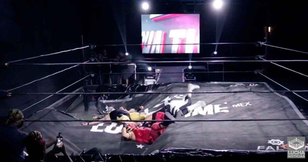 El ring de Lucha Time se rompe