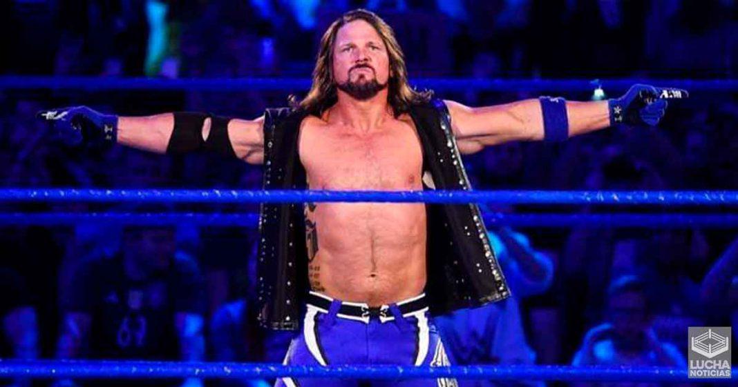 AJ Styles reta a Triple H a una lucha mano a mano