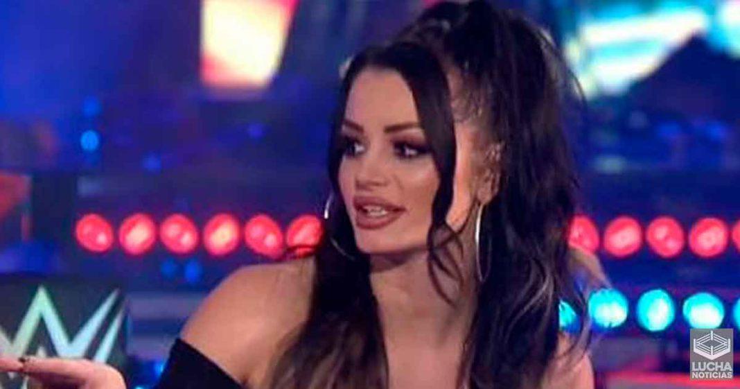 Paige ataca a los fans de WWE por el mal uso de la palabra