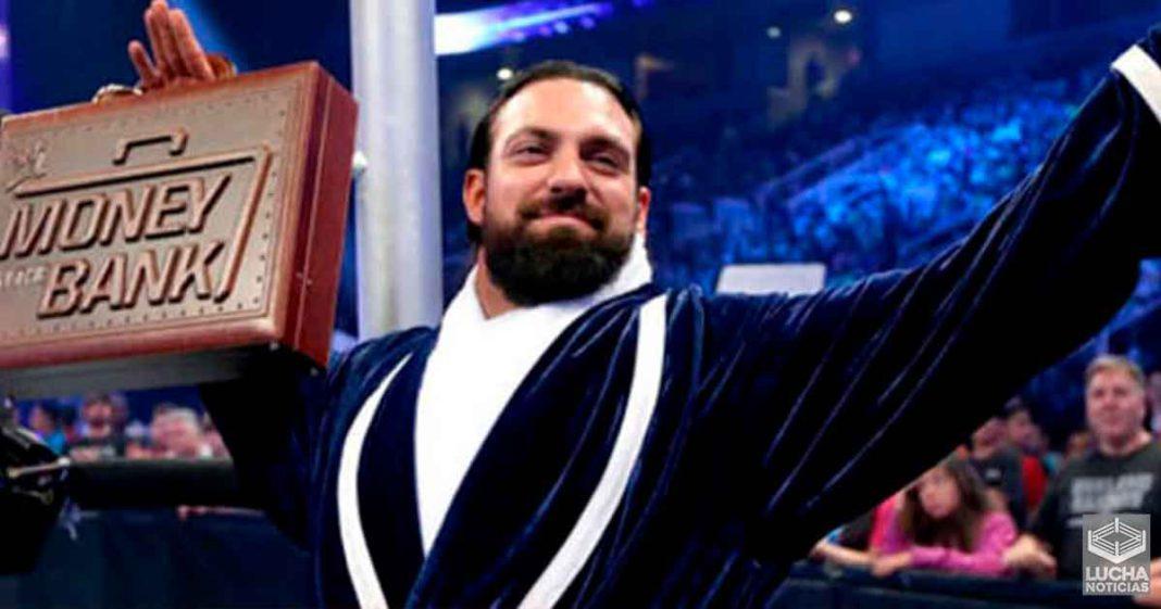 Damien Sandow molestó por qué no cobró su maletín en WWE