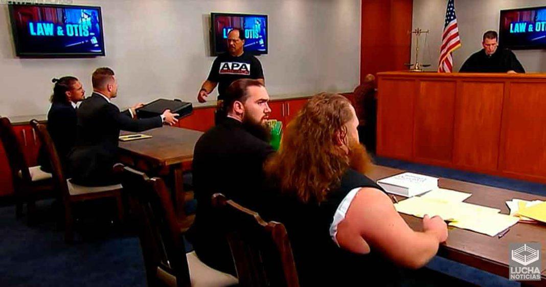 El segmento de Otis en la corte causo gran caos en la producción WWE SmackDown