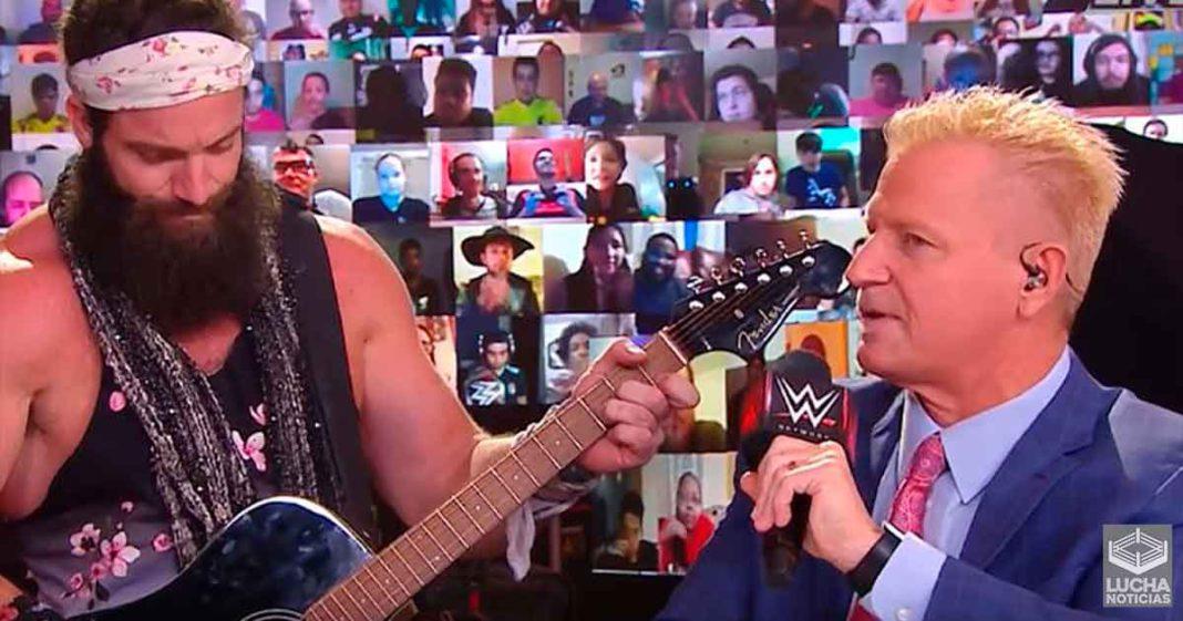 Elias le dice a Jeff Jarret que es un adicto en el kickoff de Hell In A Cell