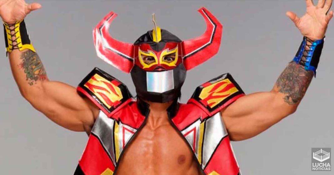 Lince Dorado se disfraza como el Zord de los Power Rangers