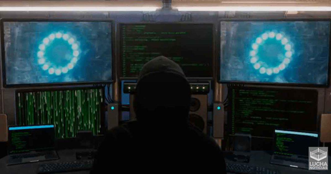 WWE revelará esta noche en RAW quién es el hacker de SmackDown