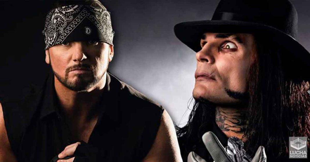 AJ Styles y Jeff Hardy se disfrazan de The Undertaker