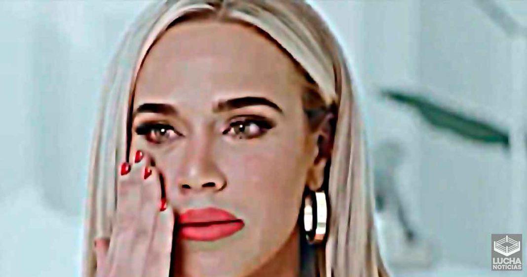 Lana rompe en llanto al hablar de los fans que quieren que sea despedida de WWE