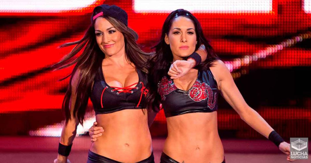 Las Bella Twins dicen que podrían vencer a Nia Jax y Shayna Baszler