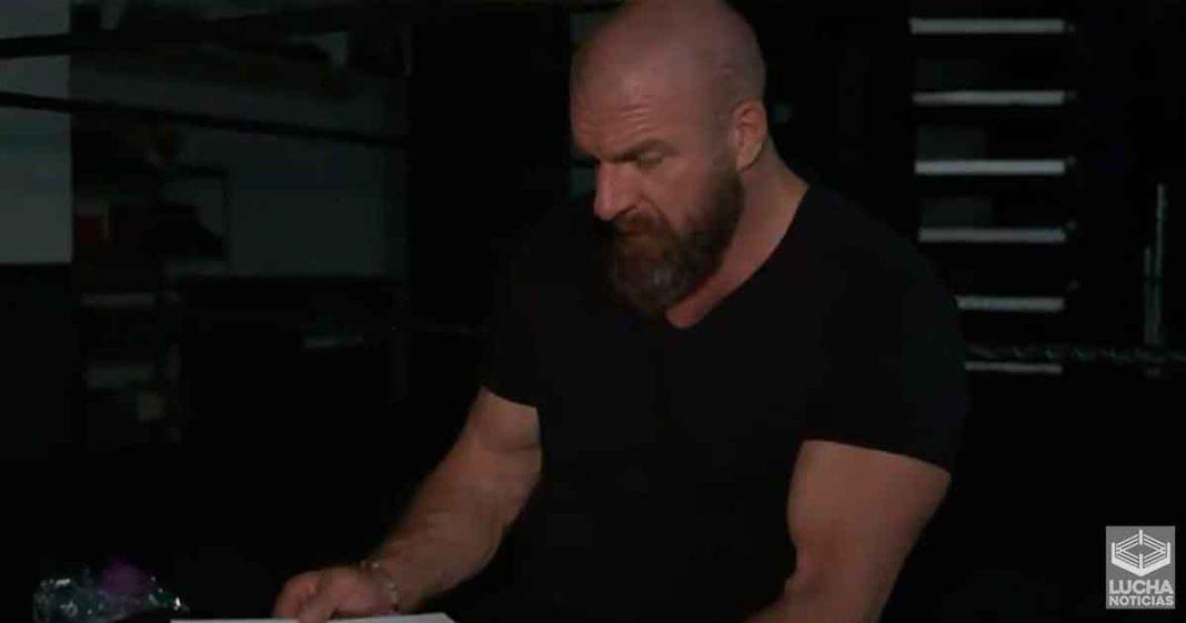 Triple H recibe regalo especial de Black Sabbath