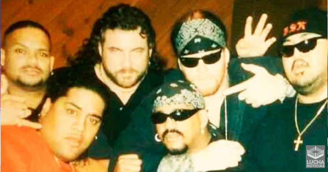 WWE traerá de regreso a varios grandes amigos de Undertaker en Survivor Series