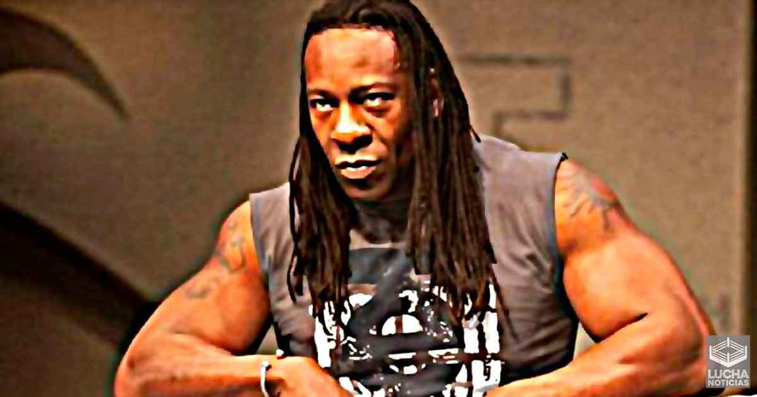 Booker T podría regresar como luchador activo