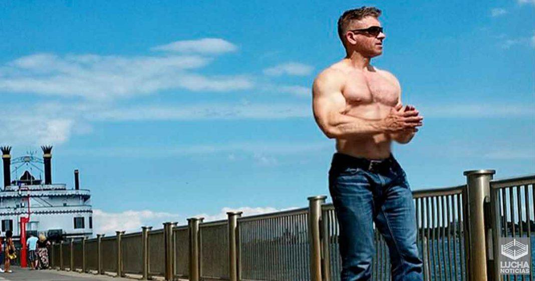 El impactante físico de Marcelo Rodríguez, comentarista de WWE en español