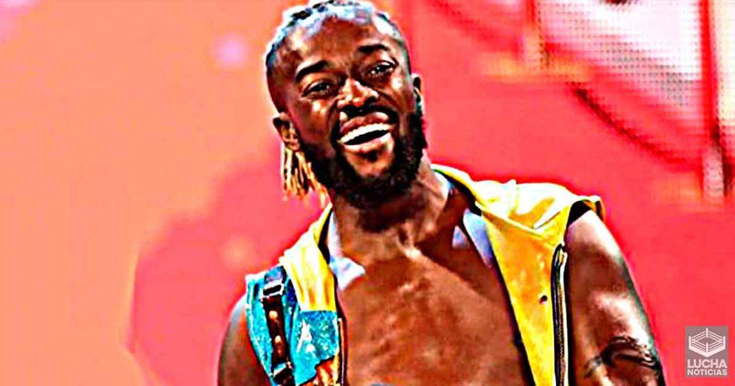 Kofi Kingston admite mojar a proposito el asiento del inhodoro mientras orina