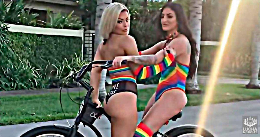 Mandy Rose y Sonya Deville incendian instagram con sesión lésbica