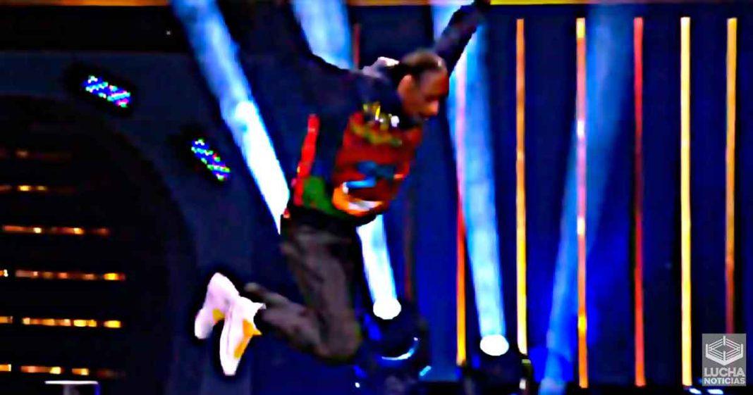 Snoop Dogg hace un Frog Splash desde la tecerca cuerda en AEW Dynamite