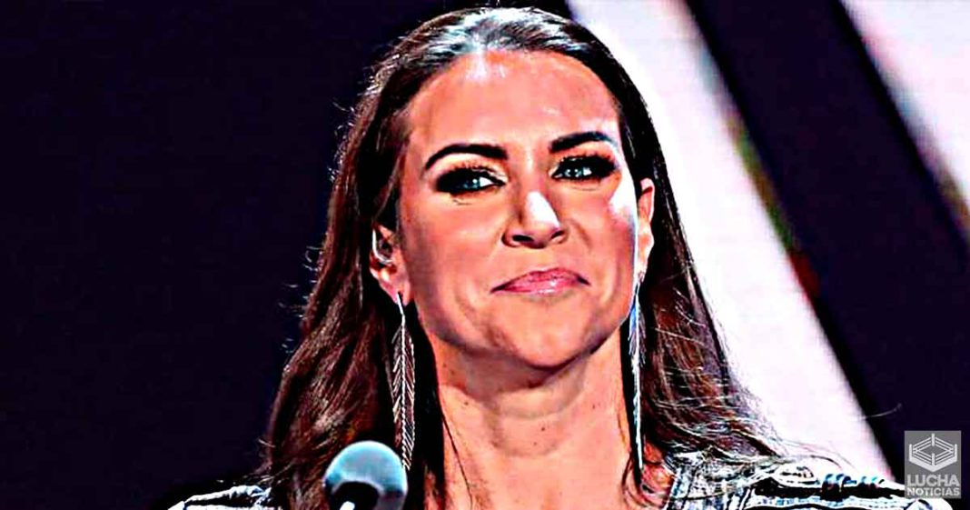Stephanie McMahon dice que WWE contratará más escritoras en su equipo