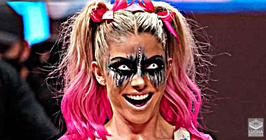 Alexa Bliss advierte a los fans de WWE sobre cuentas falsas a su nombre