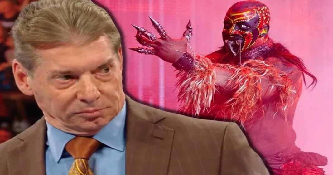 Vince McMahon asustado por Boogeyman