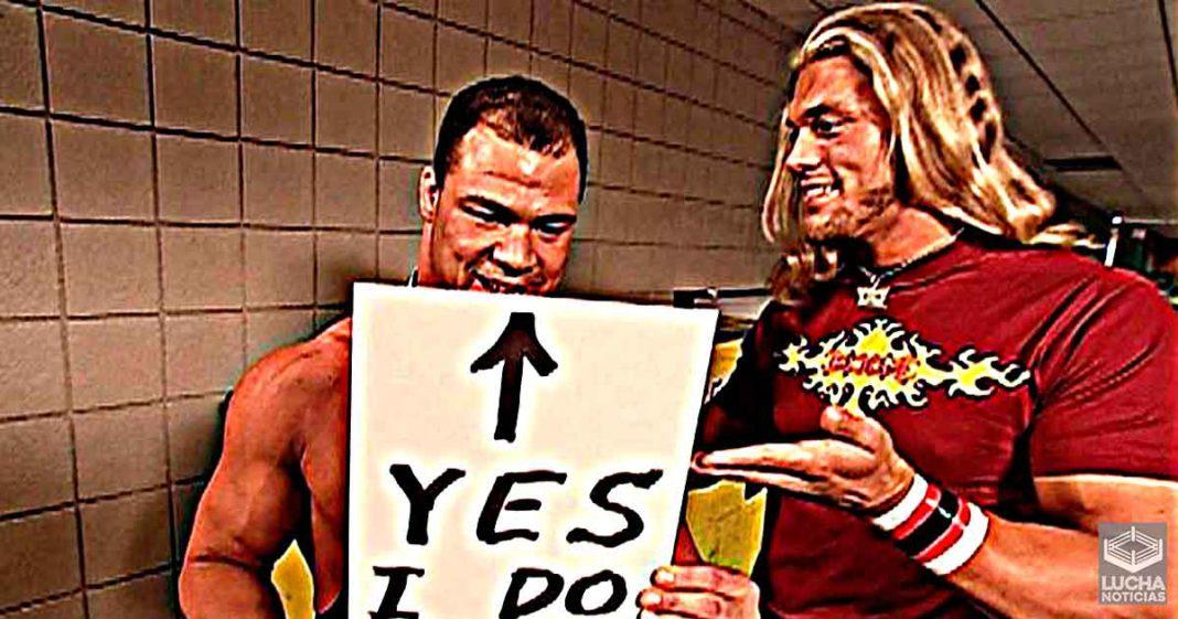 Edge se disculpa con Kurt Angle por iniciar los cánticos de You Suck