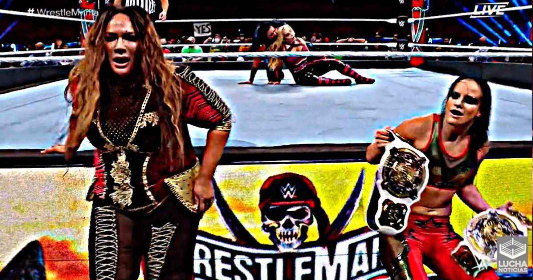 Nia Jax y Shayna Baszler retienen el campeonato femenil de parejas en WrestleMania