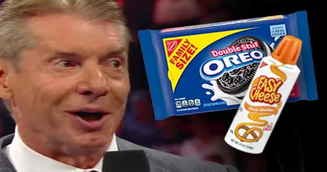 Vince McMahon le encantaría comer galletas oreo con queso en aerosol