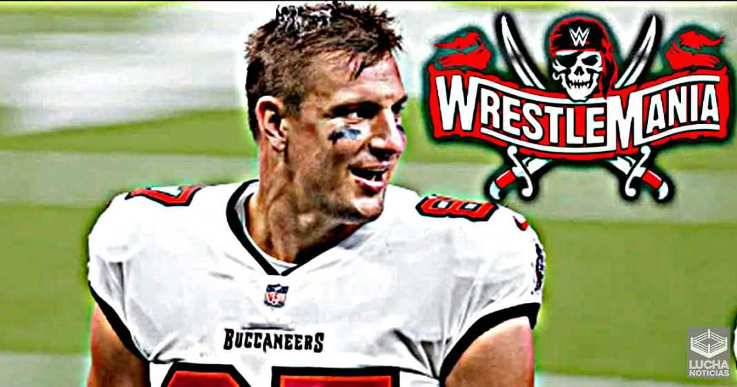 WWE está pensando traer de regreso a Rob Gronkowski en WrestleMania