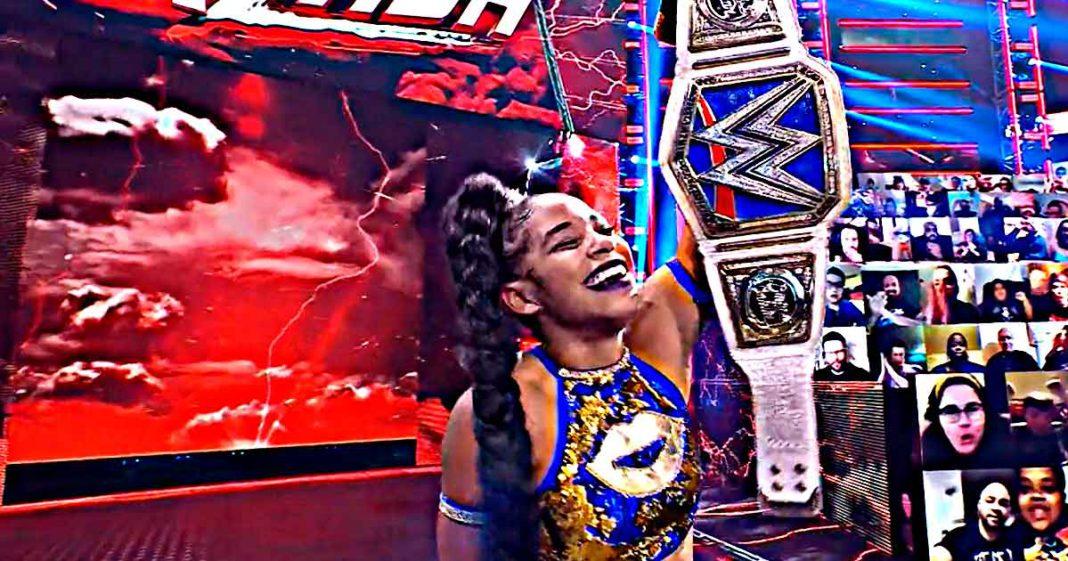 Bianca Belair vence a Bayley y retiene el campeonato femenile de SmackDown
