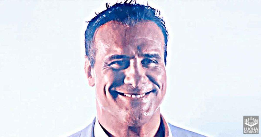 Alberto El Patrón abre su propia empresa de Lucha Libre