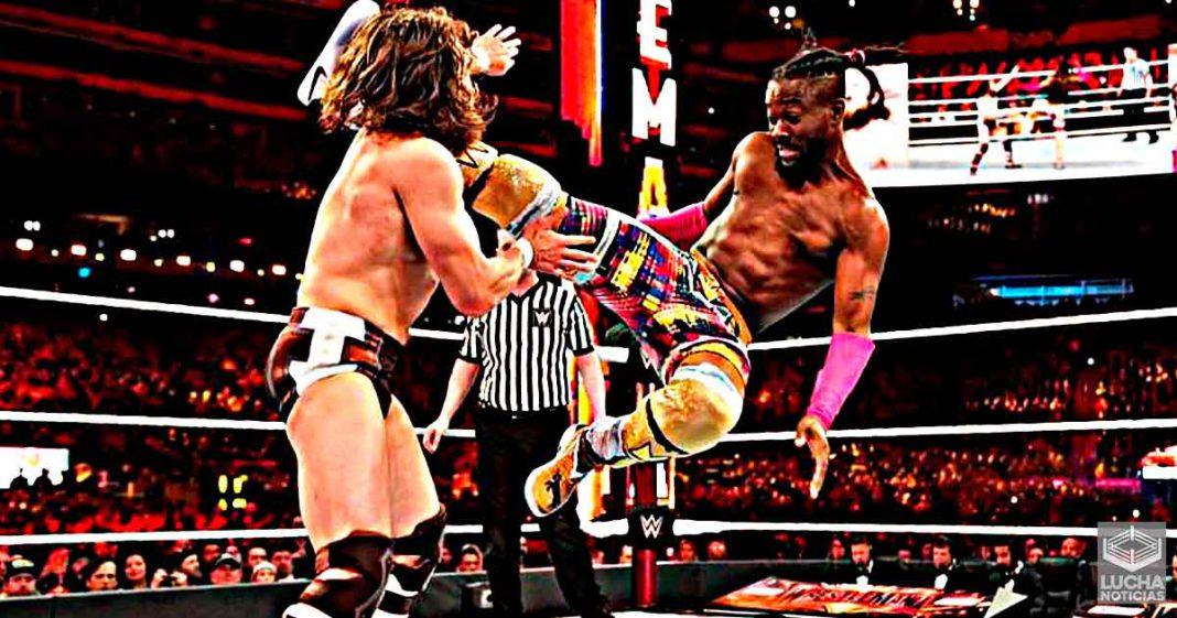 ¿Por qué la superestrella de la WWE Kofi Kingston tiene el pecho hundido?
