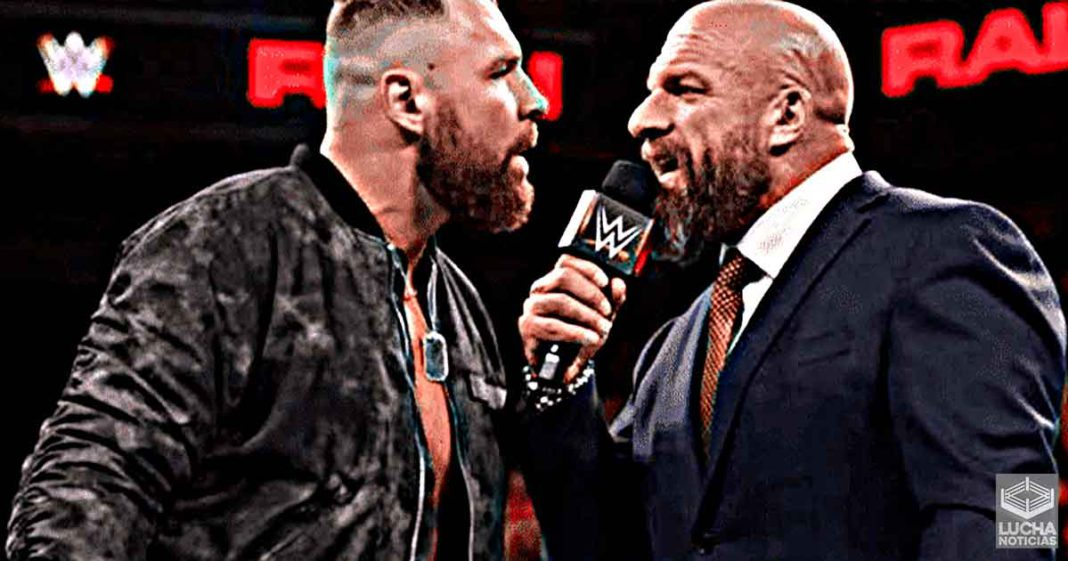 Triple H le ofreció ayuda médica a Jon Moxley después de abandonar WWE