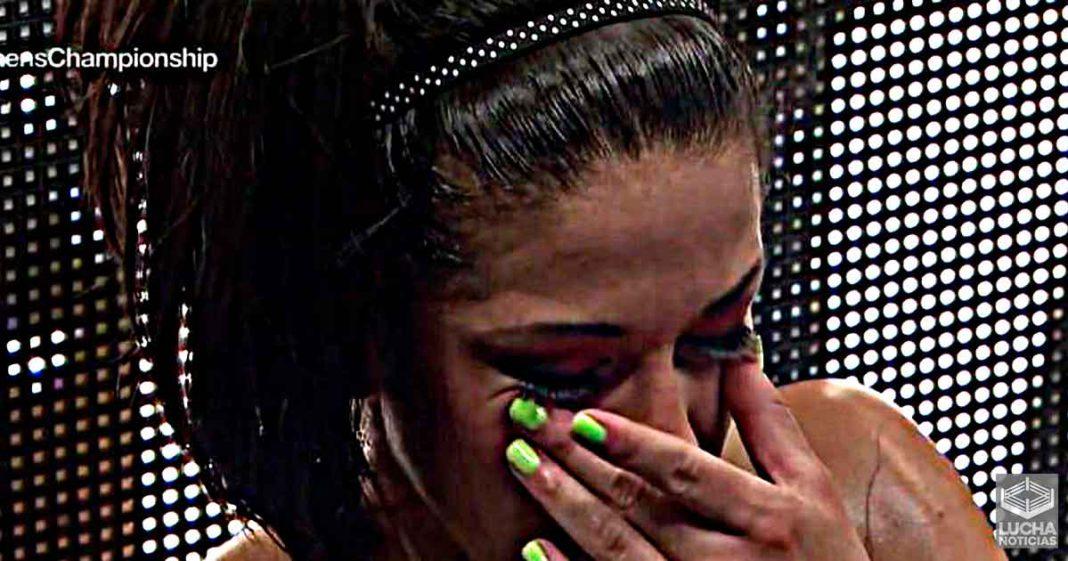 Bayley rompe su personaje y revela su tristeza por los recientes despidos de WWE