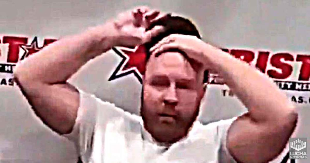 Jon Moxley queda calvo y sorprende a los fans