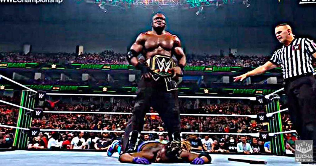 Kofi Kingston se disculpa con sus fans trás ser destruido por Bobby Lashley