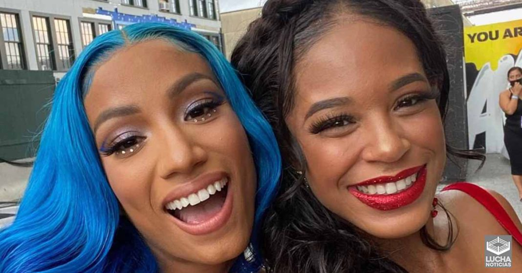 Sasha Banks y Bianca Belair ganan mejor momento WWE