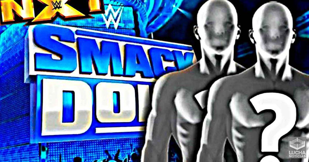 Varias superestrellas de WWE NXT están en el backstage de SmackDown