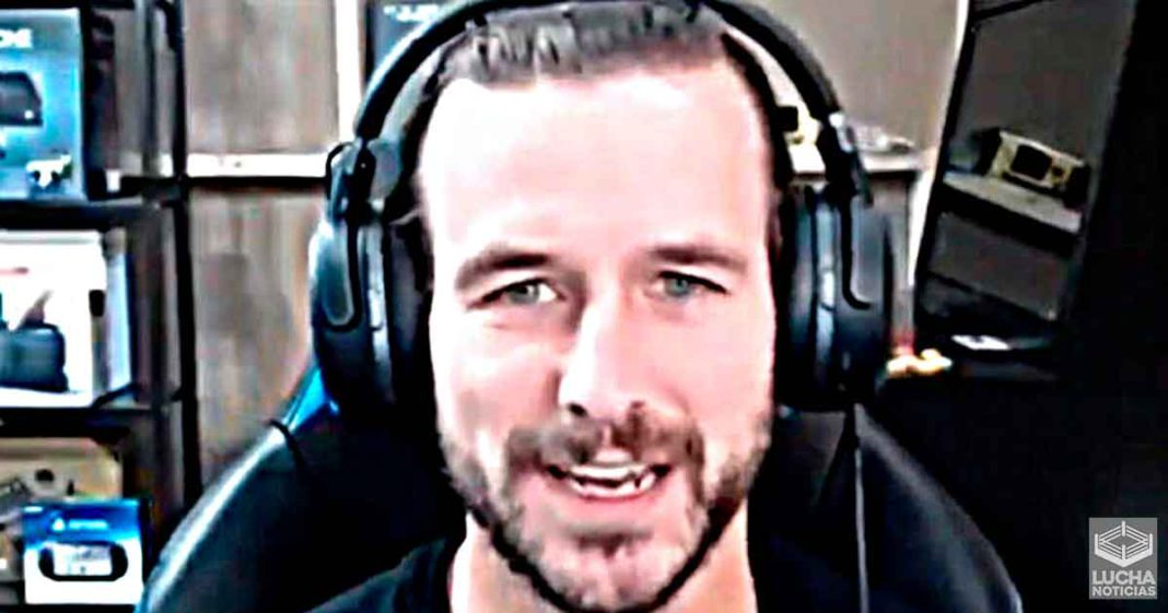 Adam Cole dice que su canal de Twitch nunca cerrará