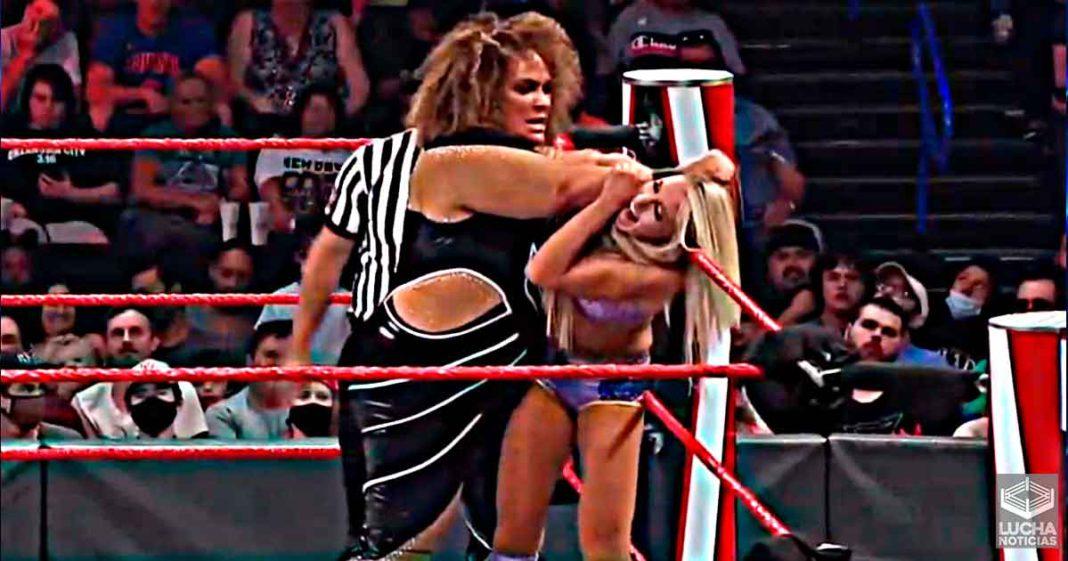 Charlotte Flair y Nia Jax se pelearon de verdad durante WWE RAW