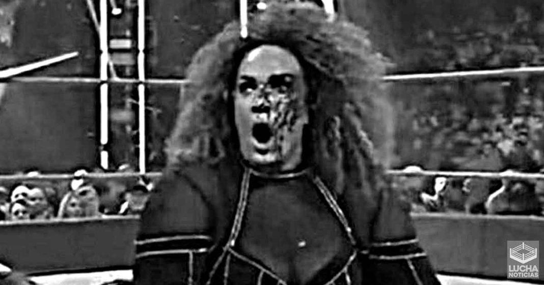 Nia Jax recibe puntadas trás su sangrienda lesión en WWE RAW