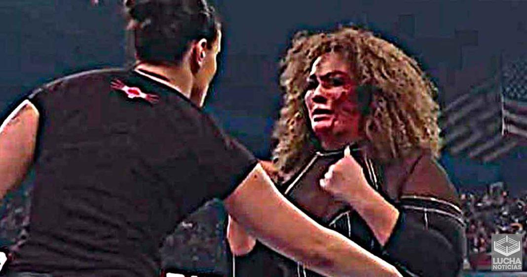 Nia Jax sufre sangrienta lesión durante WWE RAW