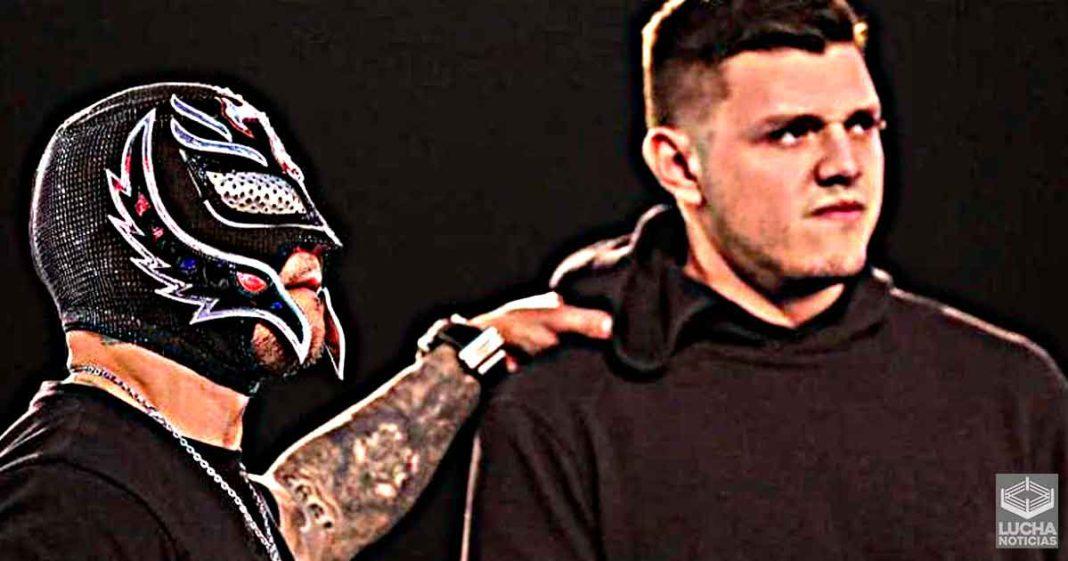Rey Mysterio no quiere luchar con su hijo Dominik